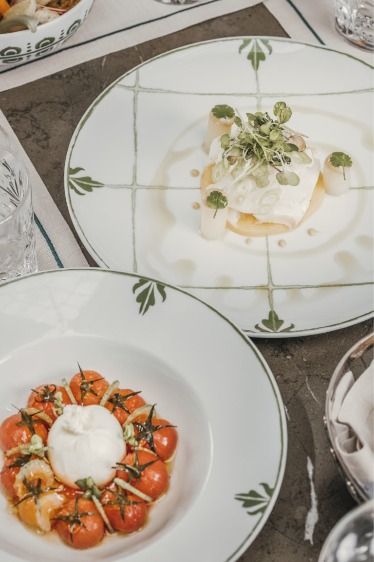 Our menu is a homage to Malaga's traditional gastronomic culture, with an innovative twist.