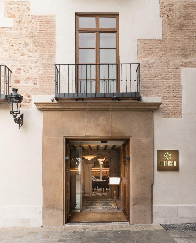 Nos encontramos en el centro histórico de Málaga, en Calle Granada 57-59.